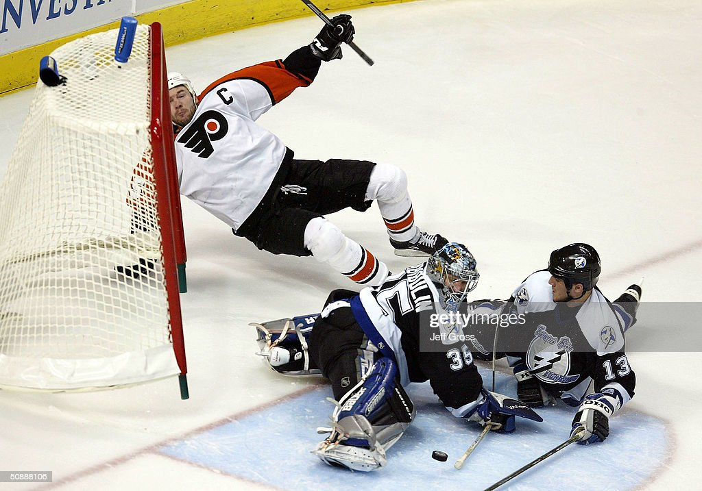 Eastern Conference Finals: Flyers v Lightning : News Photo