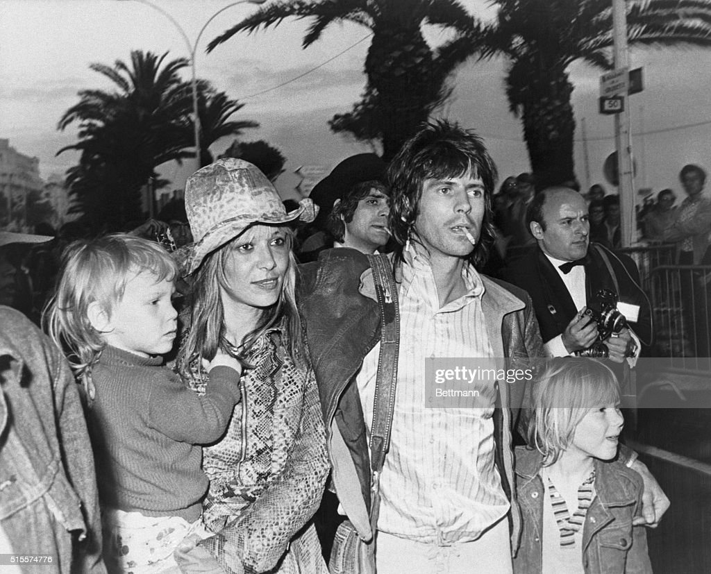 Musician Keith Richards with Anita Pallenberg and Their Children : News Photo
