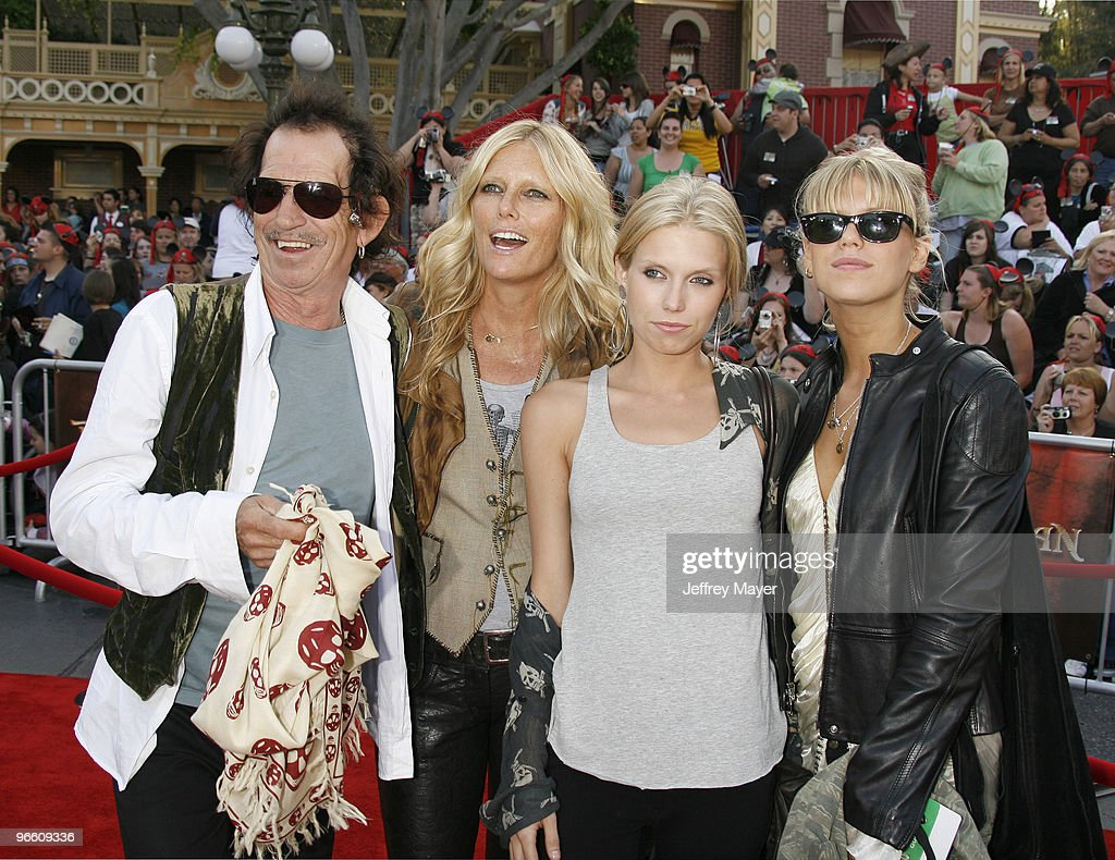 """Pirates of the Caribbean: At World's End"" World Premiere - Arrivals : News Photo"
