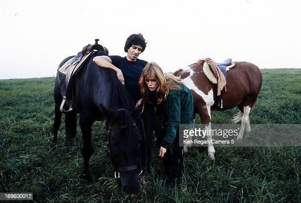 Keith Richards of the Rolling Stones and Patti Hansen are photographed at Longview Farm in September 1981 in Worcester Massachusetts CREDIT MUST READ...
