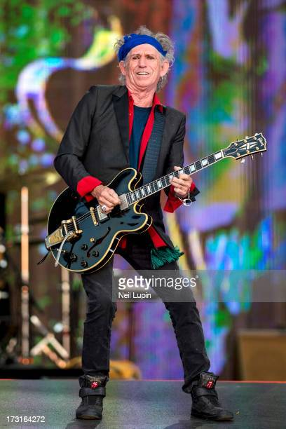 Keith Richards of The Rolling Stones performs at day 2 of British Summer Time Hyde Park presented by Barclaycard at Hyde Park on July 6 2013 in...