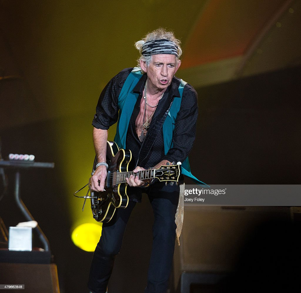 Keith Richards of The Rolling Stones performs live onstage at The Indianapolis Motor Speedway on July 4, 2015 in Indianapolis, Indiana.
