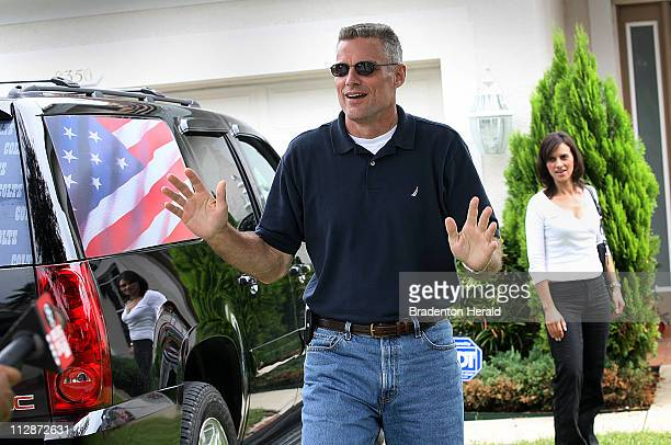 Keith Stansell arrives at his parents' home with his fianc¼ Patricia Medina and son Kyle in Bradenton Florida Saturday July 12 2008