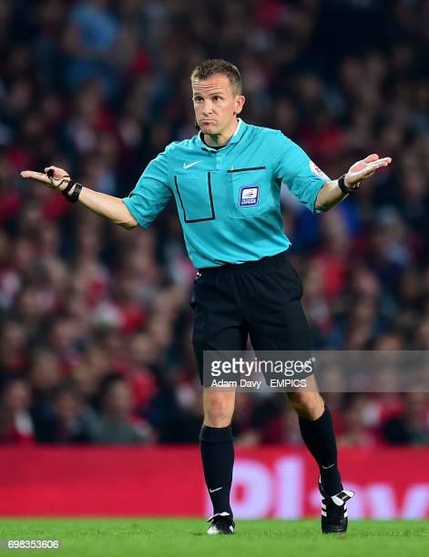 Keith Stroud referee