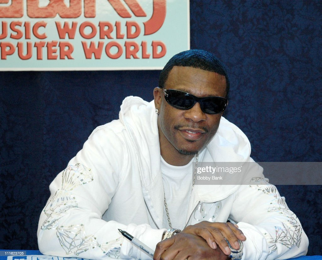 Keith Sweat Autograph Signing At J&R Music World