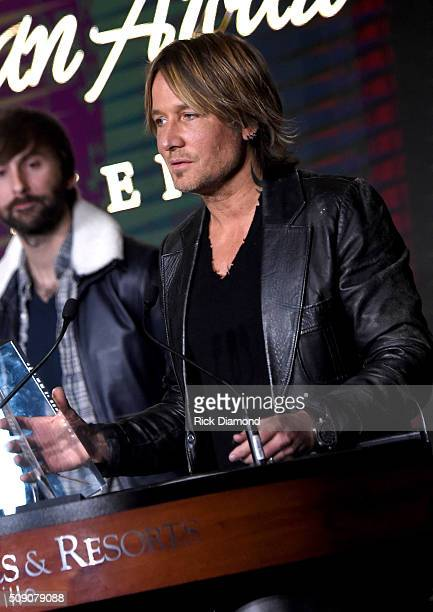 Keith Urban accepts the Artist Humanitarian Award during the CRS 2016 at Omni Hotel on February 8, 2016 in Nashville, Tennessee.