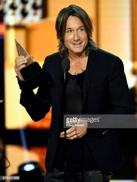 Keith Urban accepts the Favorite Male Artist – Country award Favorite Album – Country award for 'Ripcord' and Favorite Song – Country award for 'Blue...