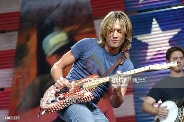 Keith Urban at Farm Aid in Pittsburgh Pa on 9/21/02