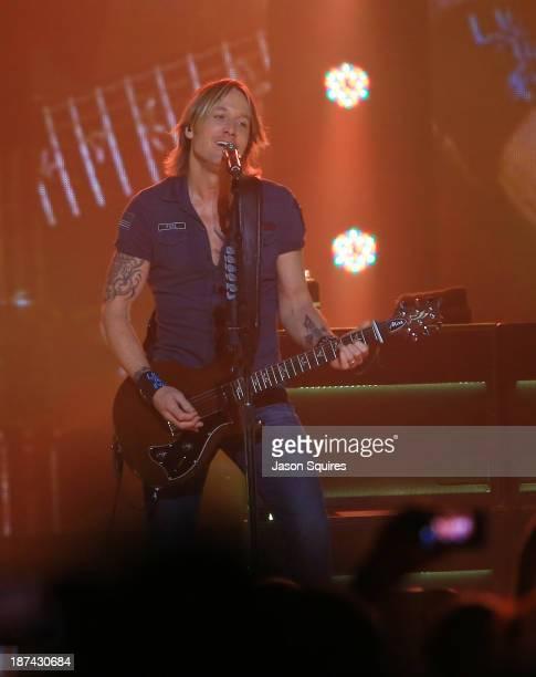 Keith Urban performs at Sprint Center on November 8 2013 in Kansas City Missouri