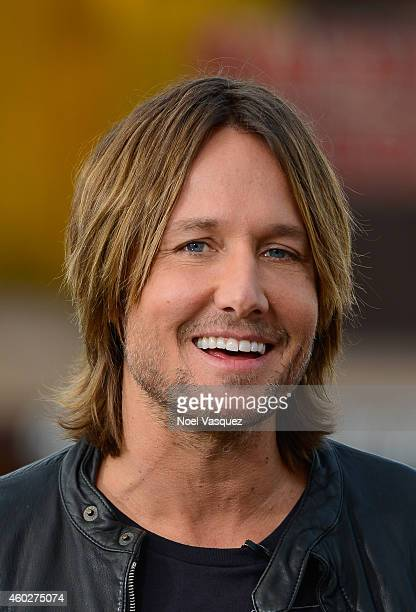 Keith Urban visits Extra at Universal Studios Hollywood on December 10 2014 in Universal City California