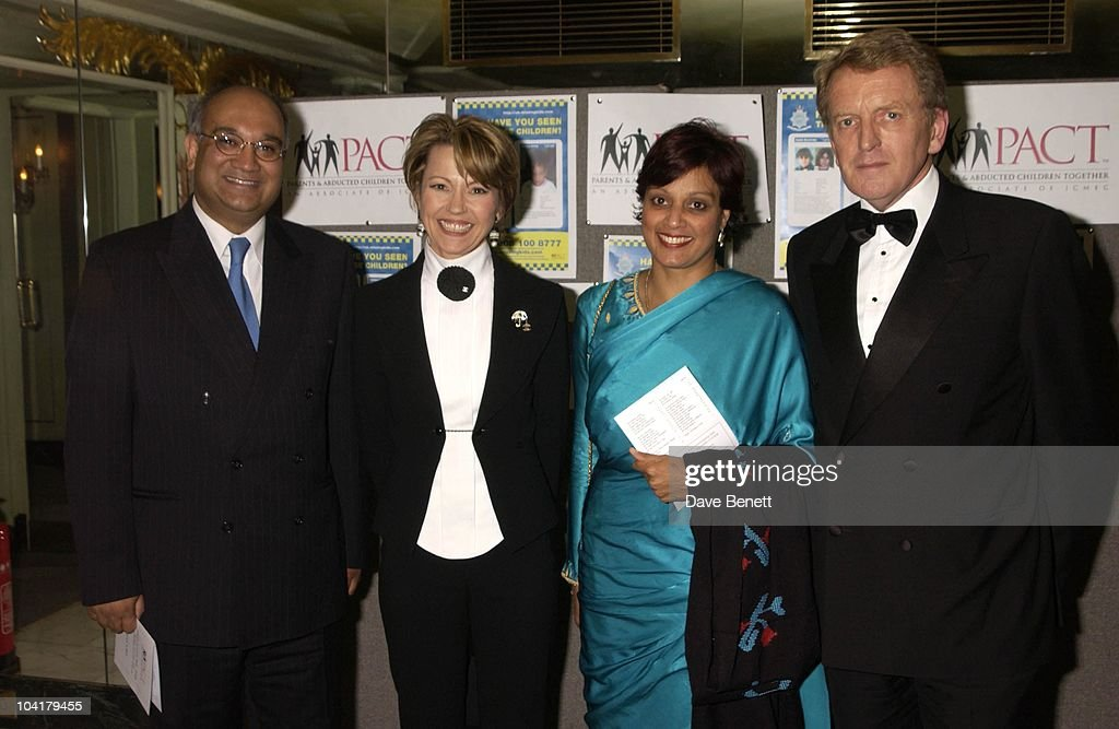P.a.c.t. (parents And Abducted Children Together) Ball : News Photo