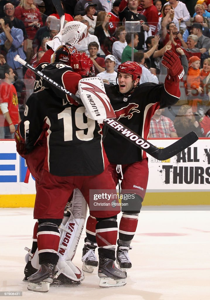 Chicago Blackhawks v Phoenix Coyotes : News Photo