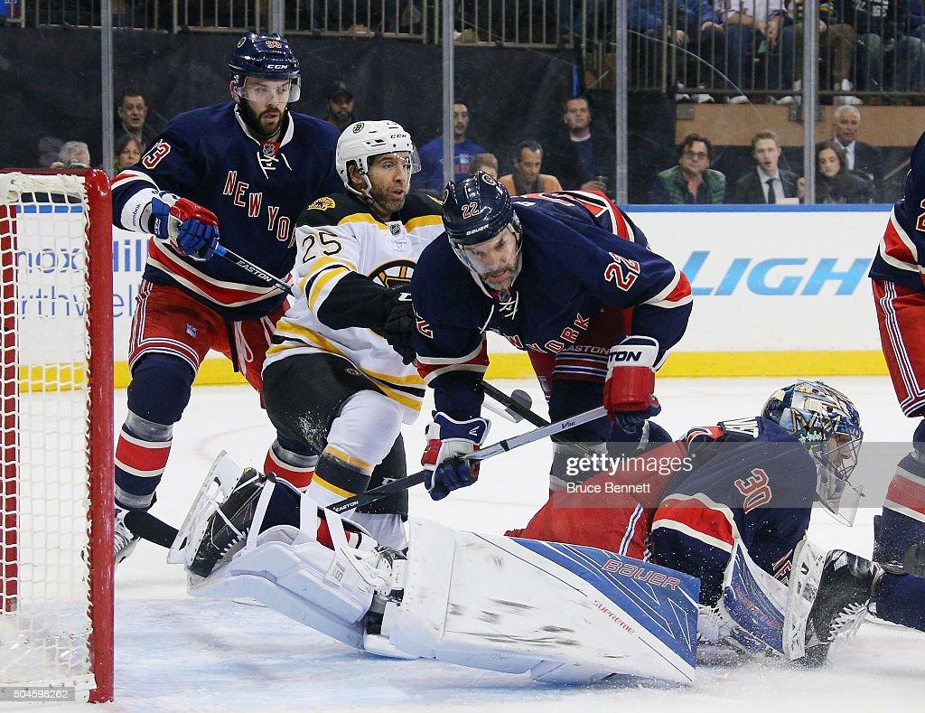 Boston Bruins v New York Rangers : News Photo