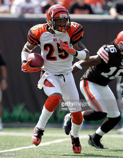 Keiwan Ratliff of the Cincinnati Bengals runs with ball during a punt return against the Cleveland Browns during the NFL game on September17, 2006 at...