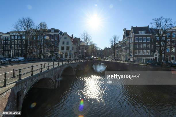 """keizersgracht in amsterdam during an early springtime morning - """"sjoerd van der wal"""" or """"sjo"""" stock pictures, royalty-free photos & images"""