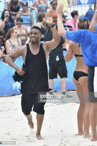 Kel Mitchell plays volley ball the iHeartSummer '17 Weekend By ATT Day 2 at Fontainebleau Miami Beach on June 10 2017 in Miami Beach Florida