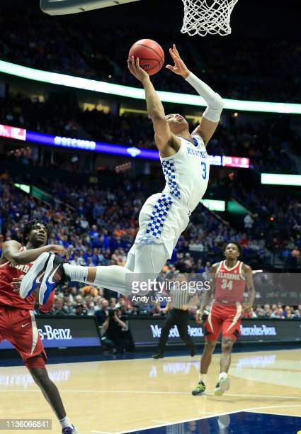 Keldon Johnson of the Kentucky Wildcats shoots the ball against the Alabama Crimson Tide during the Quarterfinals of the SEC Basketball Tournament at...