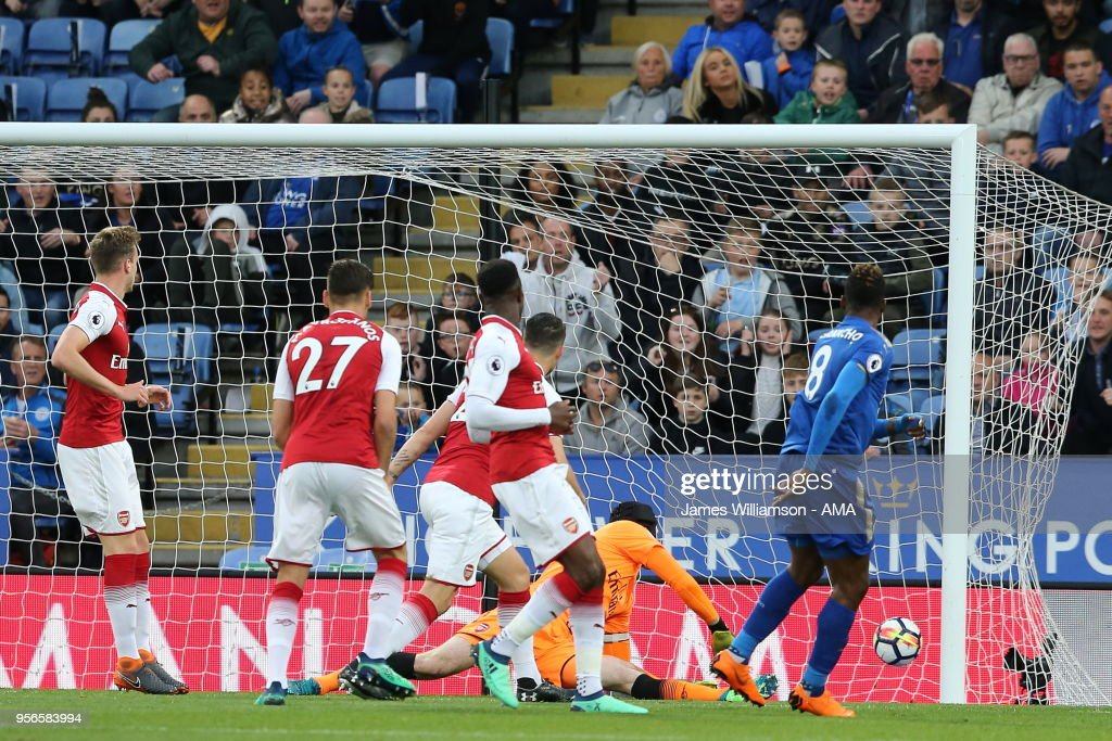 Kelechi Iheanacho of Leicester City scores a goal to make it 1-0 during the Premier League match between Leicester City and Arsenal at The King Power Stadium on May 9, 2018 in Leicester, England.
