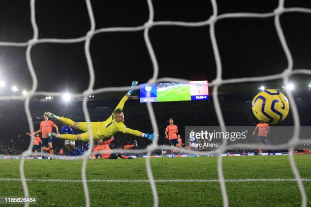 Kelechi Iheanacho of Leicester City scores their 2nd goal during the Premier League match between Leicester City and Everton FC at The King Power...