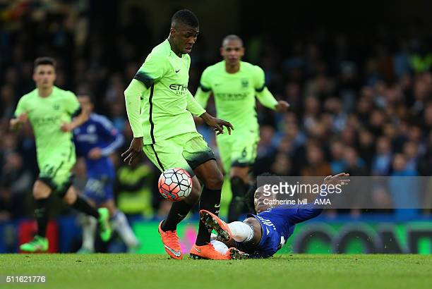 Kelechi Iheanacho of Manchester City and Willian of Chelsea during the Emirates FA Cup match between Chelsea and Manchester City at Stamford Bridge...