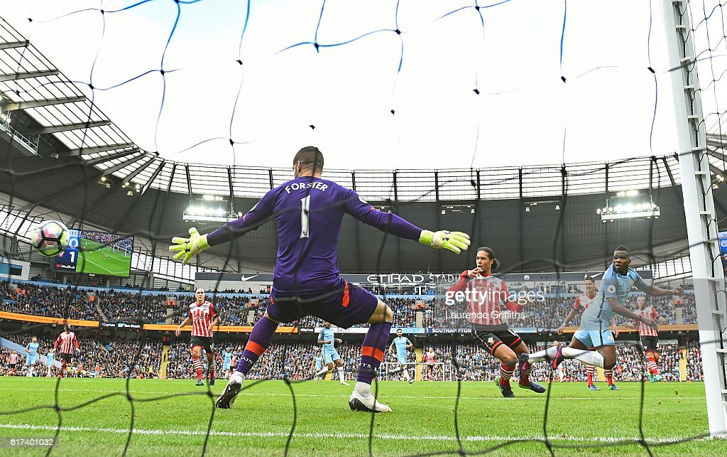 Kelechi Iheanacho of Manchester City scores his sides first goal during the Premier League match between Manchester City and Southampton at Etihad Stadium on October 23, 2016 in Manchester, England.