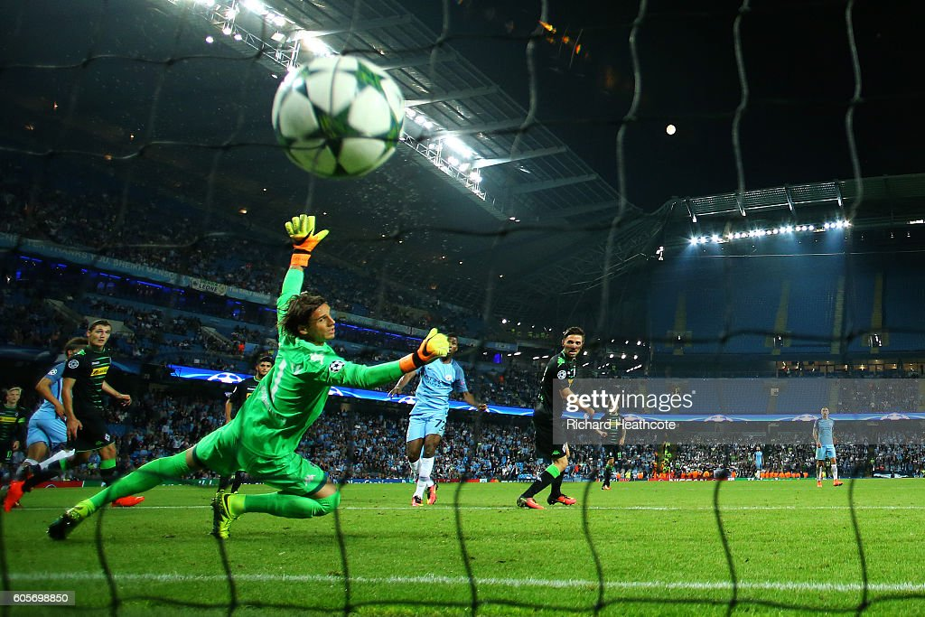 Kelechi Iheanacho of Manchester City scores his teams fourth past Yann Sommer of Borussia Moenchengladbach during the UEFA Champions League match between Manchester City FC and VfL Borussia Moenchengladbach at Etihad Stadium on September 14, 2016 in Manchester, England.