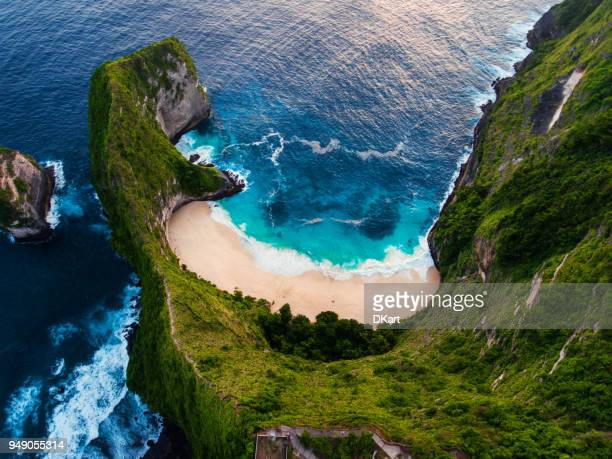 kelingking beach aerial view, nusa penida - indonesia stock pictures, royalty-free photos & images