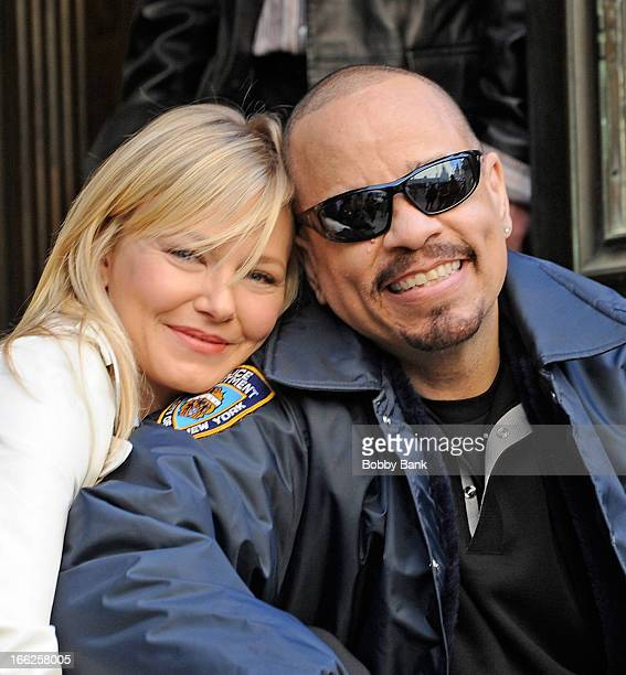Kelli Giddish and IceT filming on location for 'Law Order SVU' on April 10 2013 in New York City