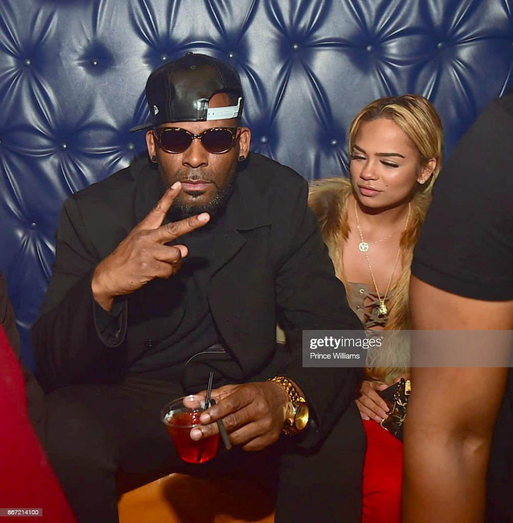 R Kelly And Halle Calhoun Attend A Party At Amora Lounge On October News Photo Getty Images