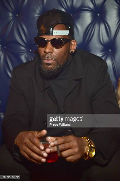 R Kelly attends a Party at Amora Lounge on October 26 2017 in Atlanta Georgia