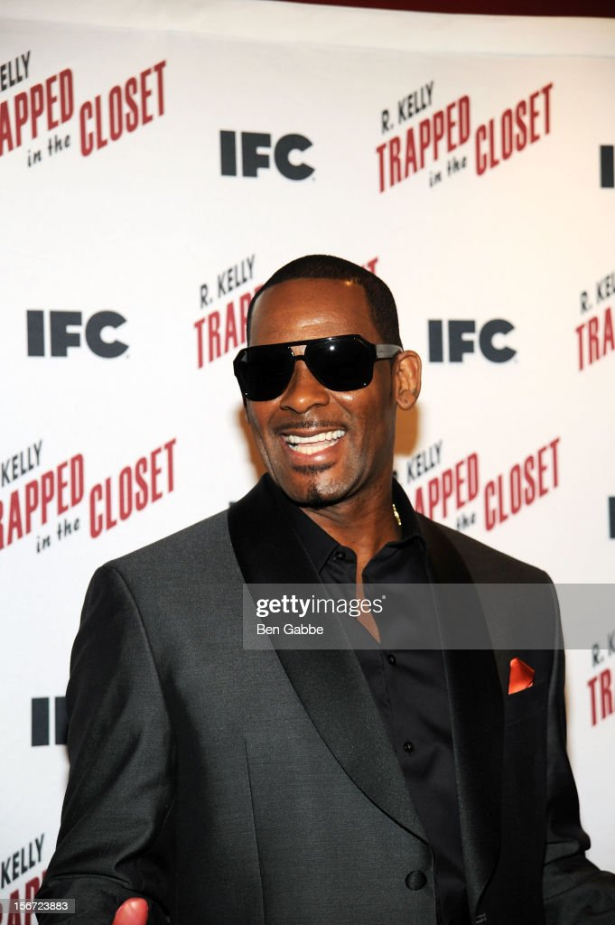 R. Kelly attends a 'Trapped In The Closet' screening at Sunshine Cinema on November 19, 2012 in New York City.