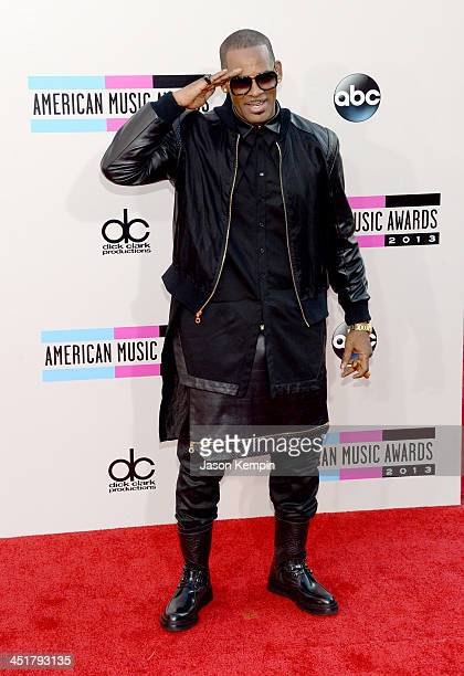 R Kelly attends the 2013 American Music Awards at Nokia Theatre LA Live on November 24 2013 in Los Angeles California