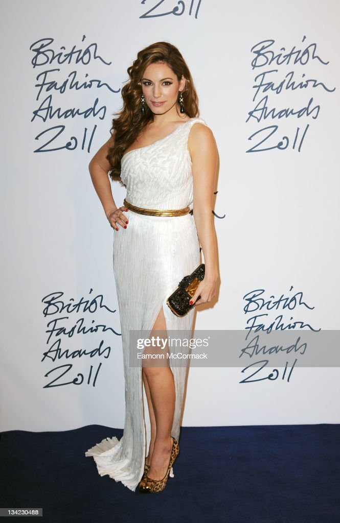 Kelly Brook arrives at the British Fashion Awards at The Savoy Hotel on November 28, 2011 in London, England.