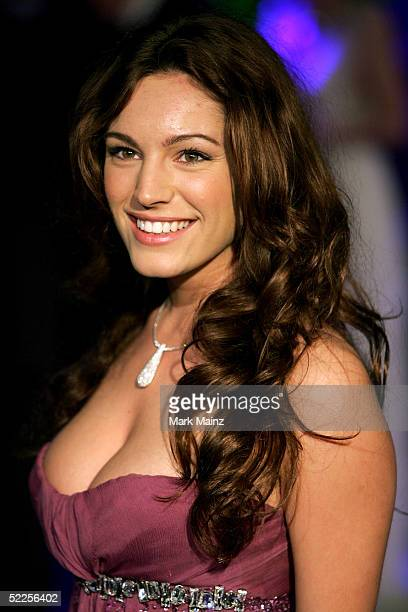 Kelly Brook arrives at the Vanity Fair Oscar Party at Mortons on February 27 2005 in West Hollywood California