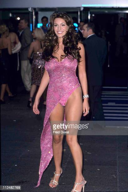 "Kelly Brook at the Uk Premoere of ""Snatch"" in 2000"