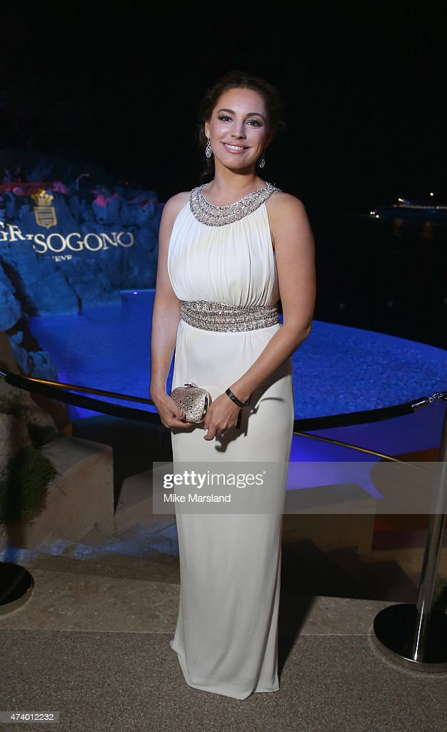 Kelly Brook attends the De Grisogono Divine In Cannes Dinner Party at Hotel du Cap-Eden-Roc on May 19, 2015 in Cap d'Antibes, France.