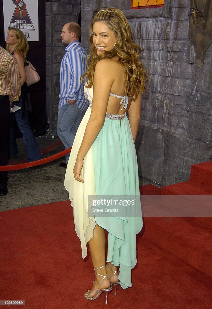 Kelly Brook during MTV Movie Awards 2004 - Arrivals at Sony Pictures Studios in Culver City, California, United States.