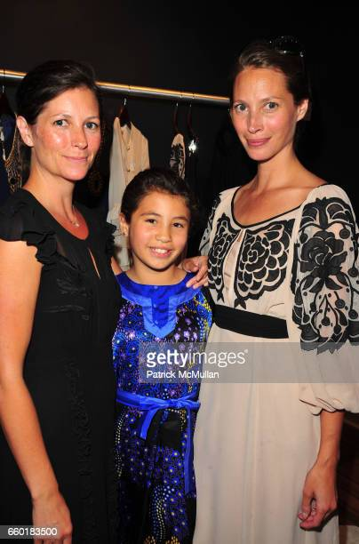 Kelly Burns Cameron Carter and Christy Turlington attend TEMPERLEY London and CHRISTY TURLINGTON host Shop For CARE at Temperley East Hampton NY on...