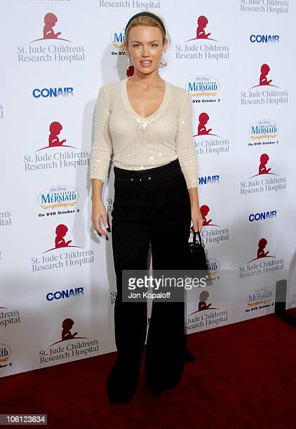 Kelly Carlson during Runway For Life Benefiting St Jude Children's Research Hospital Arrivals at Beverly Hilton in Beverly Hills California United...