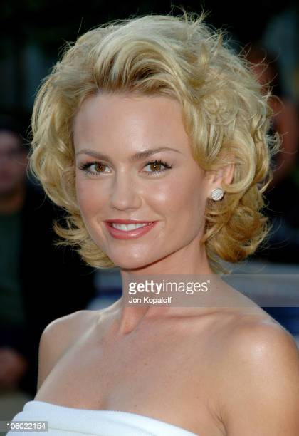 Kelly Carlson during Season Four Premiere Screening Of Nip/Tuck Arrivals at Paramount Studios in Los Angeles California United States