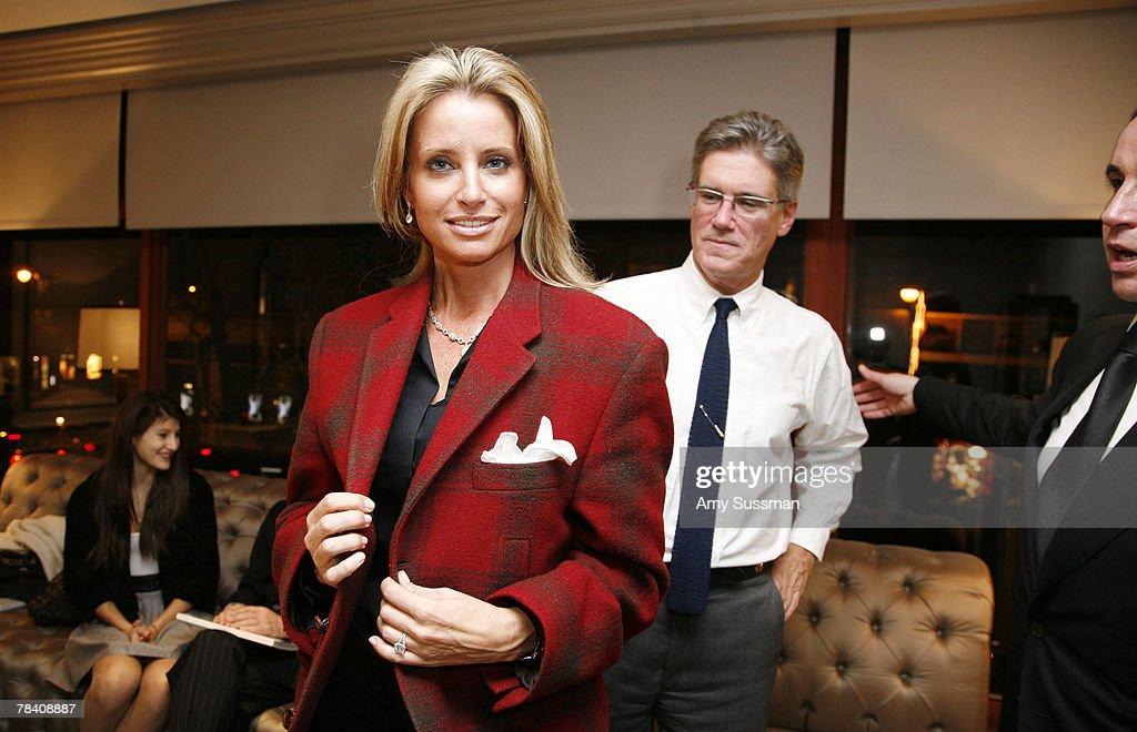 Kelly Carry (L) and Bryan Oliphant (R) attends the Leviev Diamonds and Elite Traveler holiday cocktail party at Leviev Diamonds December 11, 2007 in New York City.