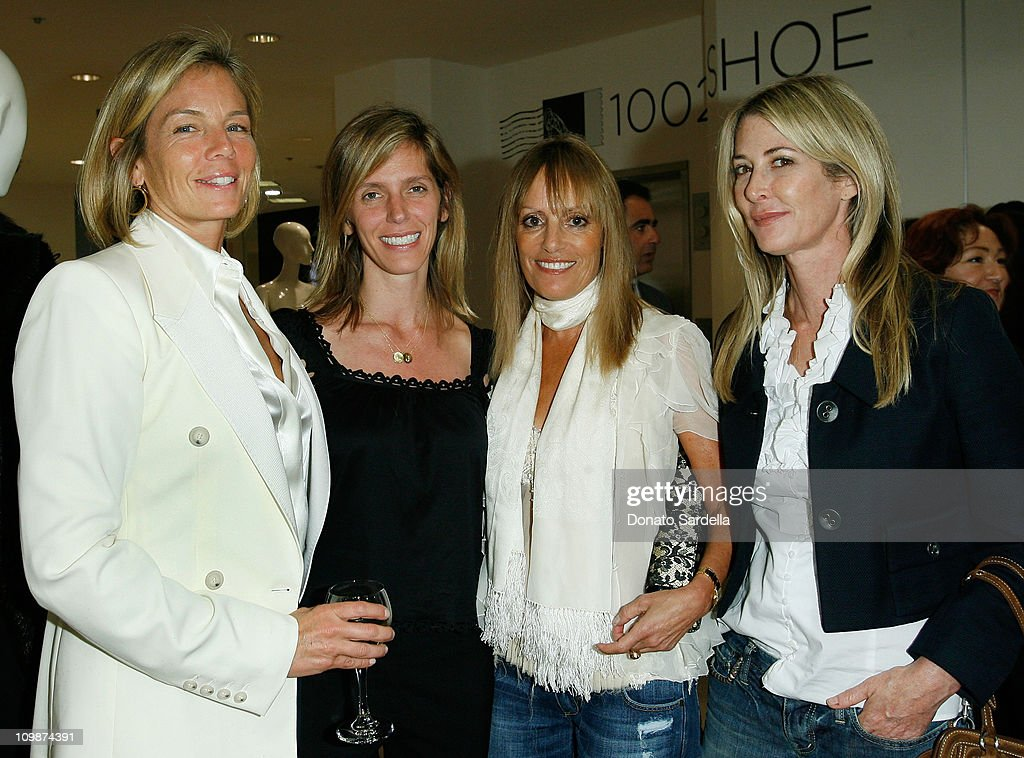 Saks Fifth Ave and La Prairie Party : News Photo
