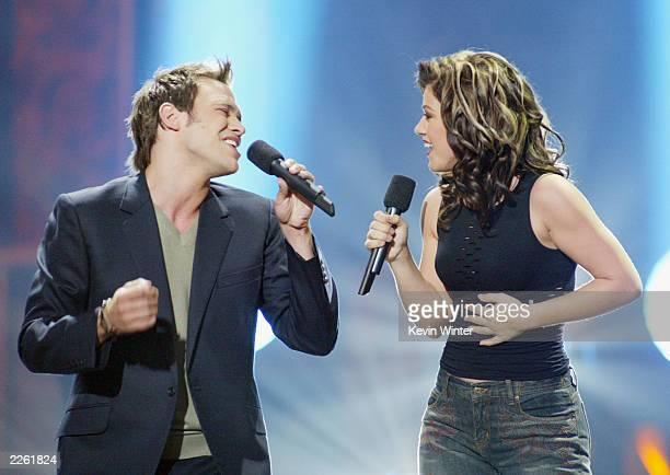 Kelly Clarkson and UK Pop Idol winner Will Young at the Kodak Theatre in Hollywood Ca Sept 4 2002