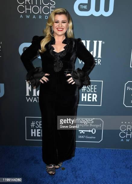 Kelly Clarkson arrives at the 25th Annual Critics' Choice Awards at Barker Hangar on January 12, 2020 in Santa Monica, California.