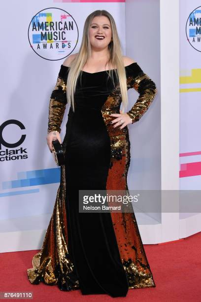 Kelly Clarkson attends the 2017 American Music Awards at Microsoft Theater on November 19 2017 in Los Angeles California