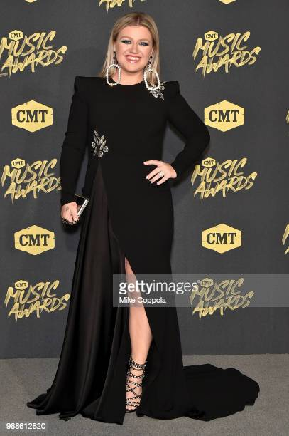 Kelly Clarkson attends the 2018 CMT Music Awards at Bridgestone Arena on June 6, 2018 in Nashville, Tennessee.