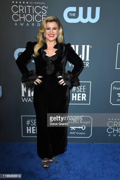 Kelly Clarkson attends the 25th Annual Critics' Choice Awards at Barker Hangar on January 12 2020 in Santa Monica California