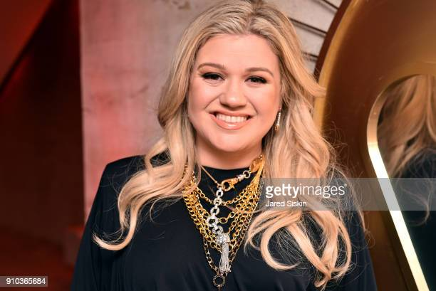 Kelly Clarkson attends the Warner Music Group PreGrammy Party in association with V Magazine on January 25 2018 in New York City