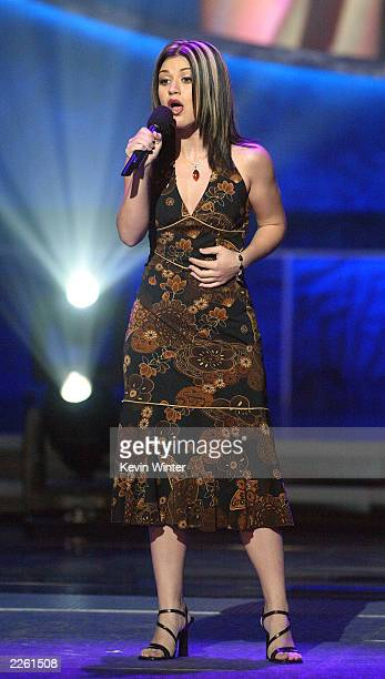 Kelly Clarkson performs at FOXTV's 'American Idol' in Los Angeles Ca Tuesday August 27 2002 Photo by Kevin Winter/Getty Images/FOX