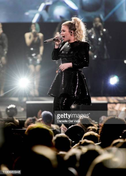 Kelly Clarkson performs onstage at Bridgestone Arena on March 29 2019 in Nashville Tennessee
